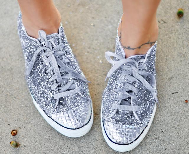 inverso de uma estrela DIY, sapatos Miu Miu brilho, glitter tênis DIY, biqueira de aço faux studded - Converse - alvo