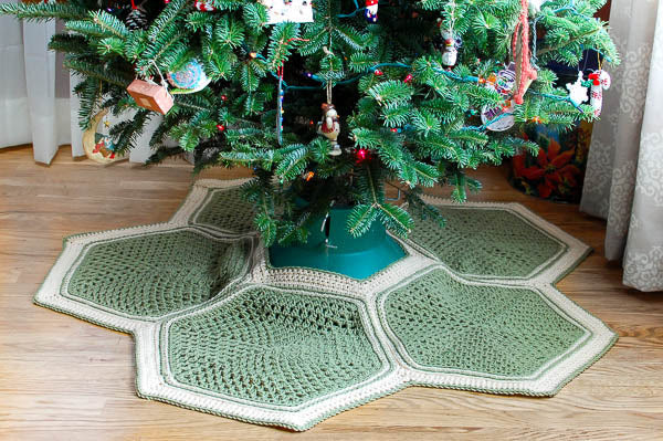 Crochet Kit - The Granny Hexagon Tree Skirt