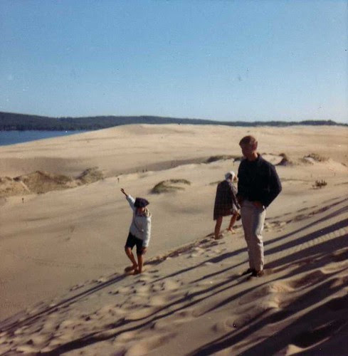 img163_Scottie_Walking_at_Dunes_at_Jack_and_Jill_Ranch_1966
