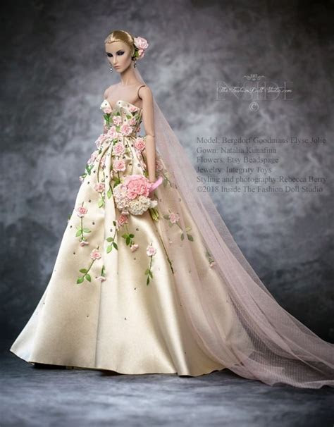 Best 25  Barbie wedding dress ideas on Pinterest   Barbie