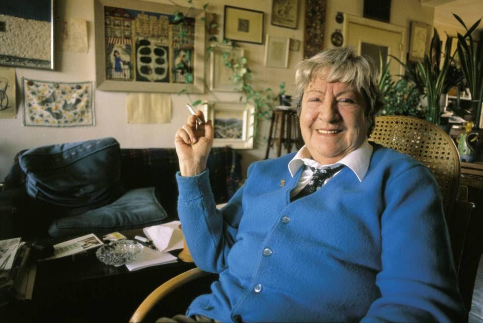 La escritora Gloria Fuertes (1917-1998).
