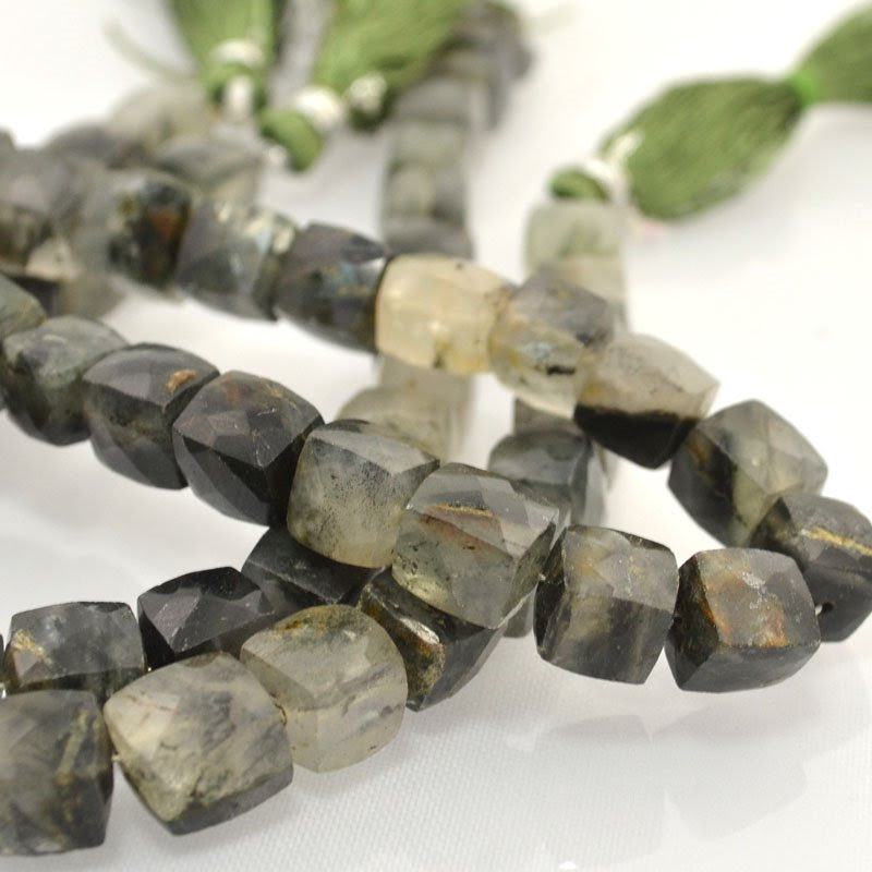 s44071 Stone Beads -  Faceted Cubes - Moss Agate (strand)