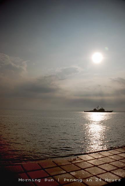 Esplanade - Morning Sun