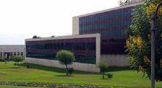 BIBLIOTECA GENERAL Y DE HUMANIDADES. ¿Sabías que al Campus de Guajara lo llaman GuaHarvard? ¿Adivinas el motivo? https://www.facebook.com/pages/GuaHarvard/108792459193524