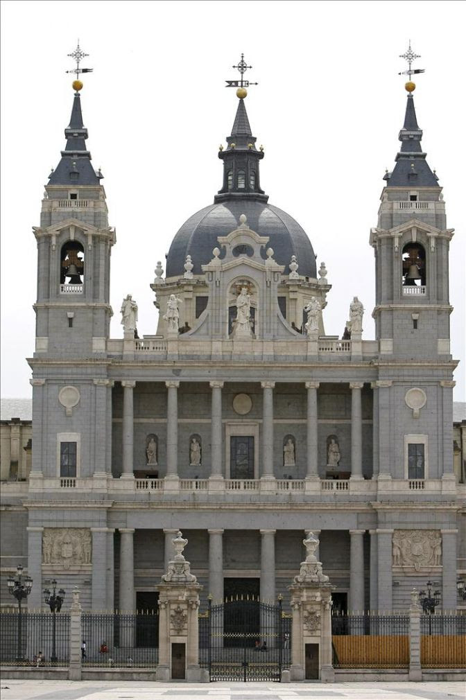 Fachada Norte. Catedral de la Almudena 12