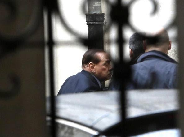 Silvio Berlusconi  all'arrivo  a Palazzo Chigi  (Ansa)