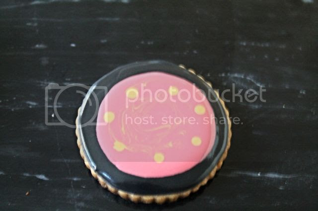 Make up cookies ideas @www.thecookiecouture.com