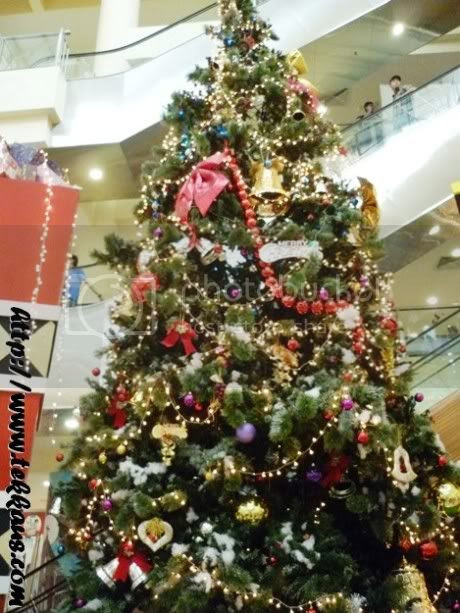 Huge Christmas Presents In Taiping Sentral