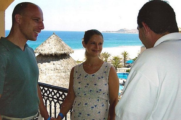 417d1.blogspot.com - Pasangan Ini akan Menikah Setiap Tahun
