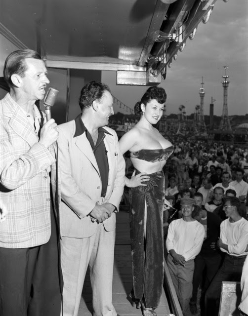 http://stuffaboutminneapolis.tumblr.com/post/149727155214/gypsy-rose-lee-at-the-1949-minnesota-state-fair