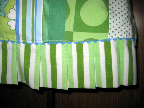 apron pleats