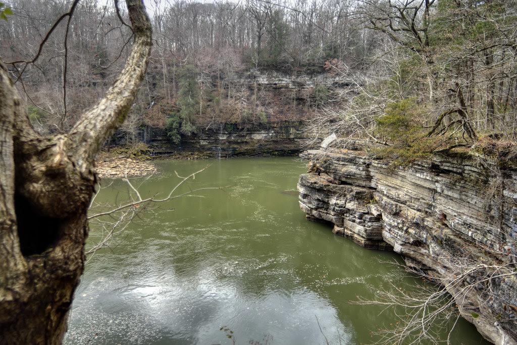 Caney Fork River, cliffs, Rock Island SP, White Co, TN