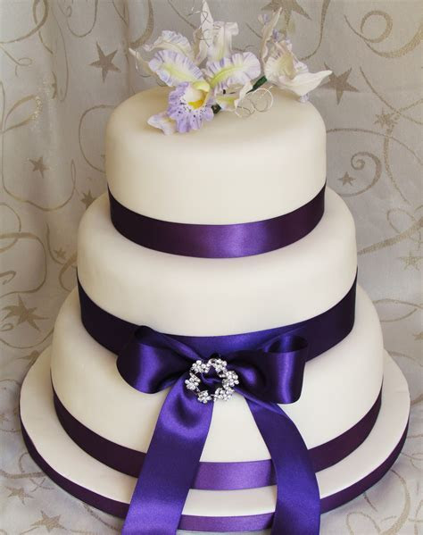 Traditional Wedding Cakes   The Dotty Bakery