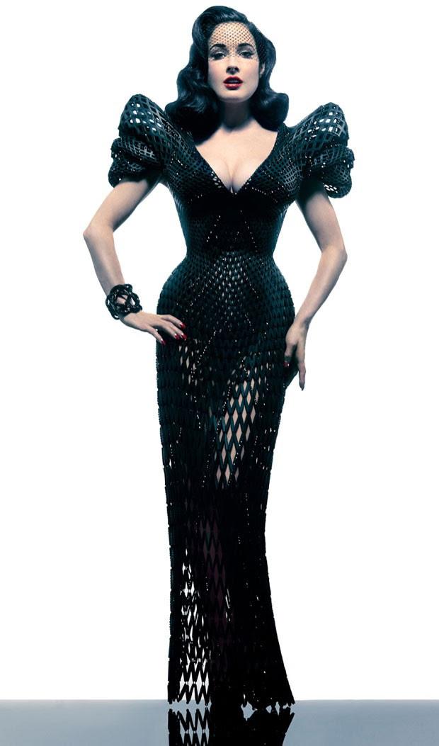 Dita Von Teese é modelo que apresentou vestido criado em impressora 3D (Foto: Divulgação)