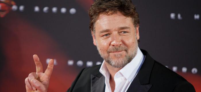 Crowe elogiou a capacidade criativa do diretor Alex Kurtzman