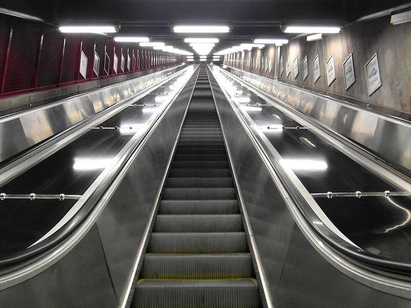 Stockholm - Tunnelbana - Kungsträdgården (10860906143).jpg