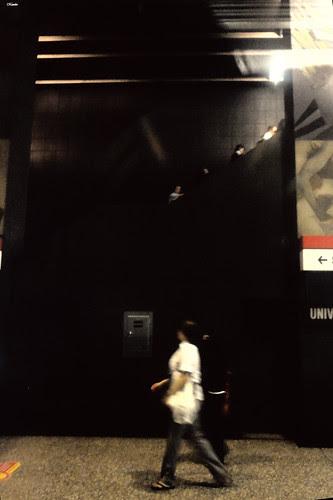 Cosas del metro by Alejandro Bonilla