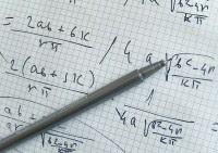 """Cientistas anunciam terem resolvido teorema matemático que """"prova"""" a existência de Deus"""