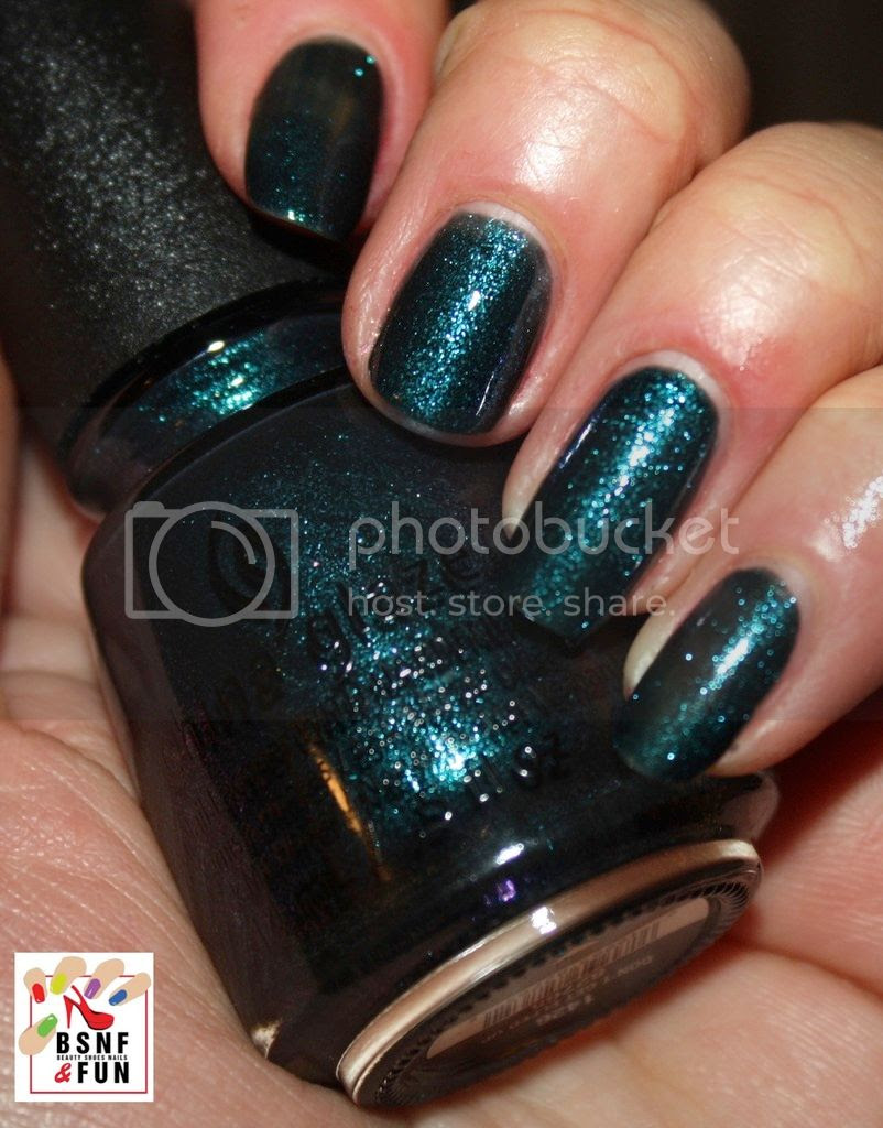 photo China Glaze Cheers-12_zpseb7zhi7k.jpg