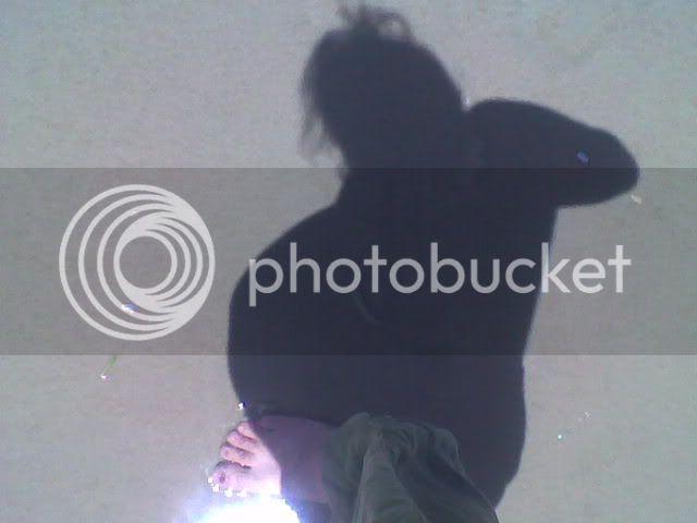 pregnant,shadow,beach,belly