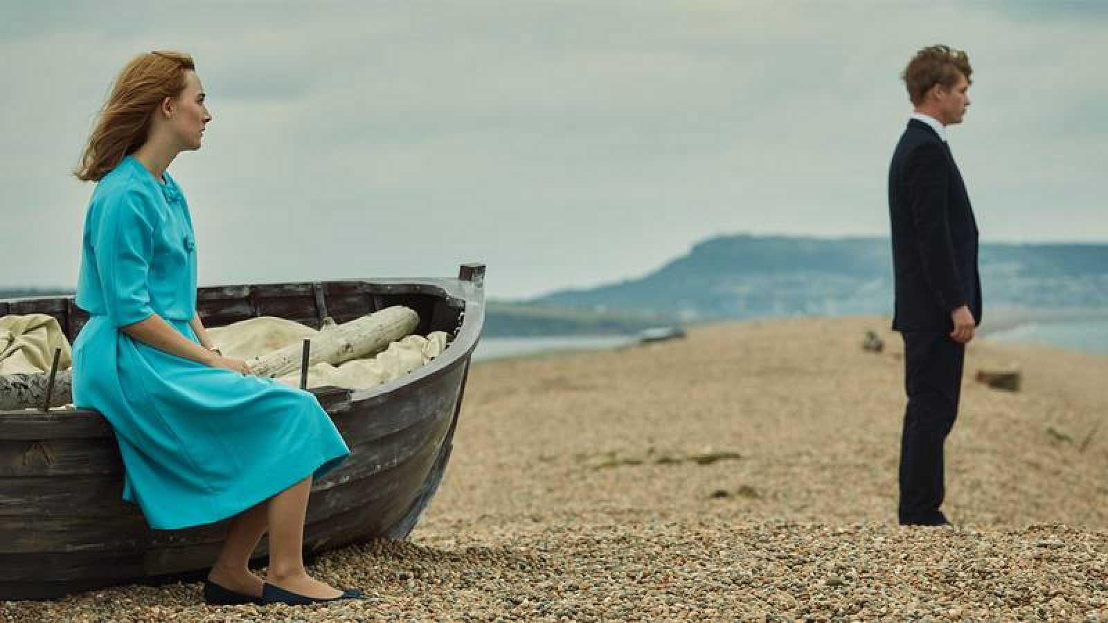 Resultat d'imatges de En la playa de Chesil