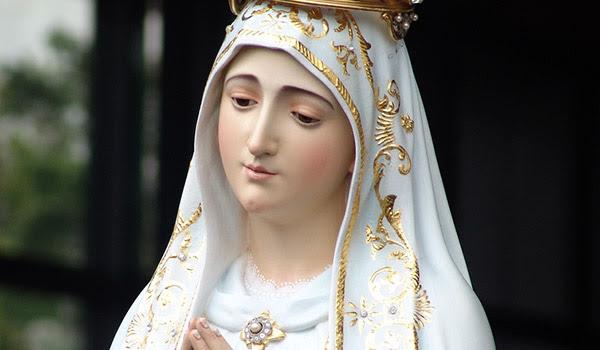 A Virgem Maria é o caminho de amor para chegar ao coração de Jesus Cristo.