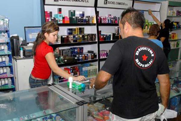 La empresa mixta cubana-holandesa Unilever Suchel S.A. garantiza mediante la importación la presencia en el mercado nacional de productos de cuidado personal e higiene del hogar, mientras se construye su fábrica en la Zona Especial de Desarrollo Mariel (ZEDM).