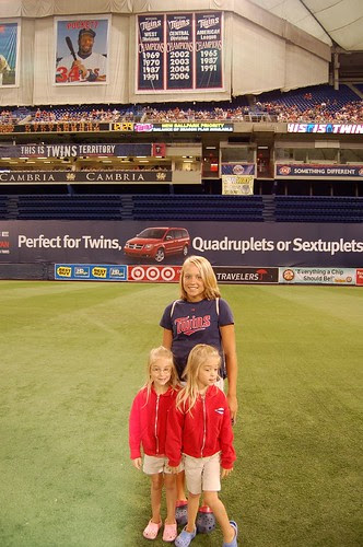 Lindsey & Sydney with their cousin, Chelsea, on the field