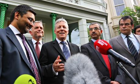 Menteri Irlandia ini  Dukung Pendeta Hina Islam