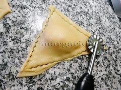 pegar y cortar bordes