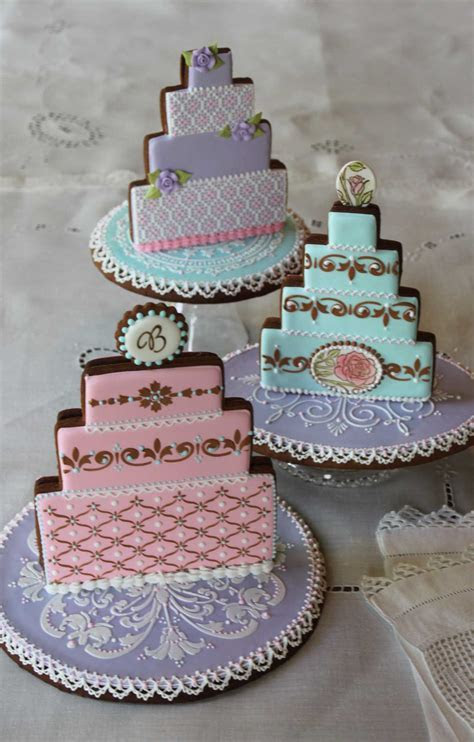 Tricked Out Wedding Cake Trio   Julia Usher   Recipes for