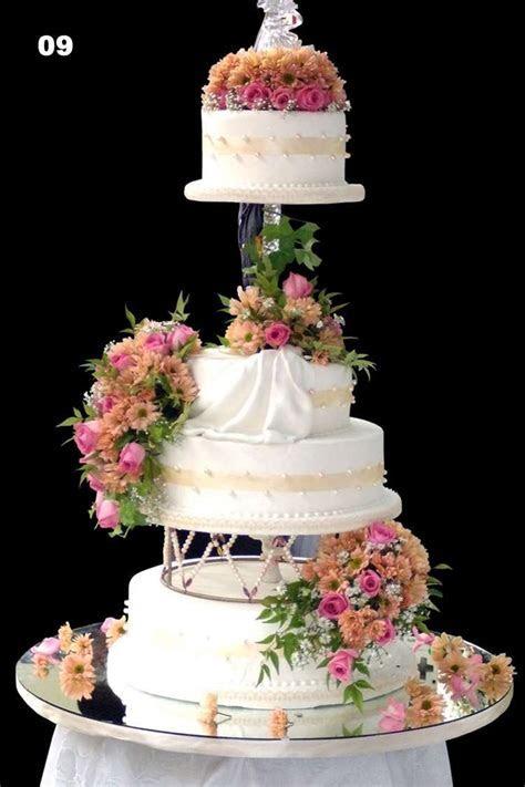 Designed and created by Yamuna Silva of Yami Cakes, Sri