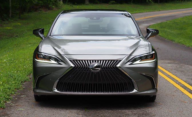 2019 Lexus ES 350 Review - AutoGuide.com News