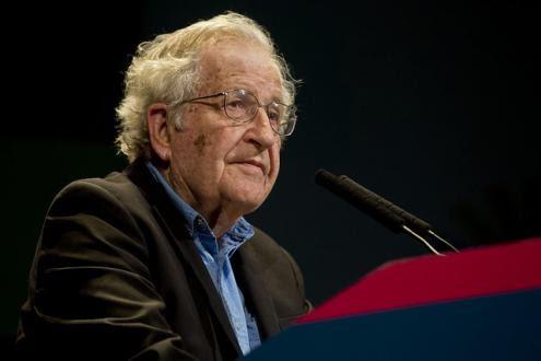 """Chomsky desmascara a """"Guerra ao Terror"""""""