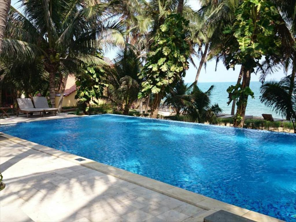 Sunshine Beach Resort in Phan Thiet  Room Deals Photos