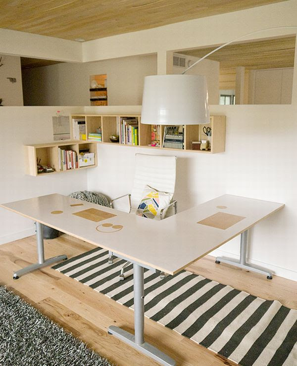 Beautiful and ergonomic home office with small storage space - Decoist