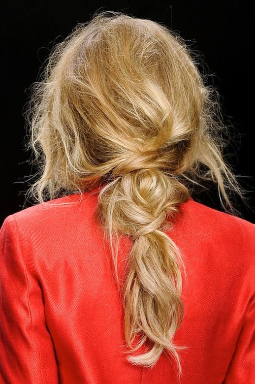 LE FASHION BLOG HAIR INSPIRATION 3 ROMANTIC UNDONE LOOKS MESSY LOOKS BRAIDS KNOTS TWISTS HAIR TUTORIAL WEDDING HAIR INSPIRATION KINDER AGGUGINI ELLE POLAND 2102 COLLECTION RED JACKET BLAZER 2 photo LEFASHIONBLOGHAIRINSPIRATION3ROMANTICUNDONELOOKS2.jpg