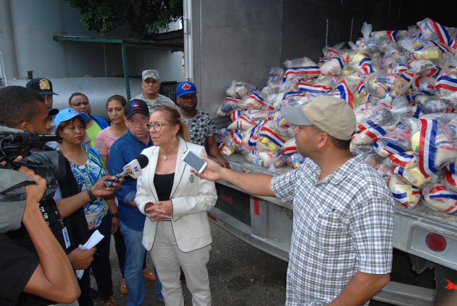Gobierno envía alimentos y materiales a zonas que están bajo alerta roja