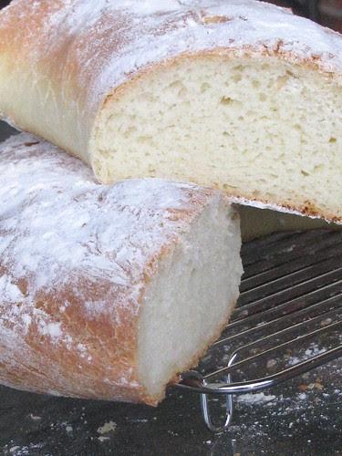 kruh sa maslinovim uljem 098