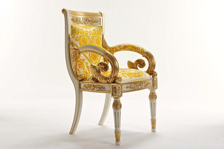 03 Vanitas Armchair por Official Versace