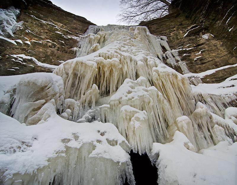 Cascading Ice