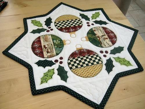 Holiday Table Topper_vpx=GxM8fd5m0kgj; - via @Craftsy