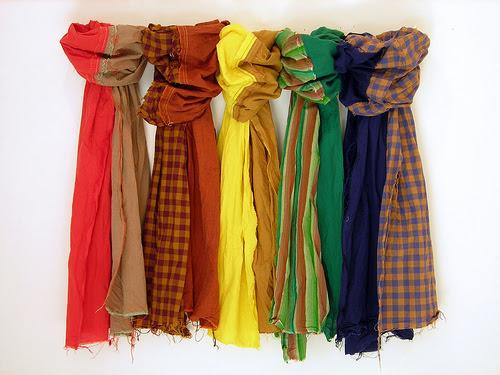 http://www.lizjohnsonbooks.com/wp-content/uploads/2010/10/scarves.jpg