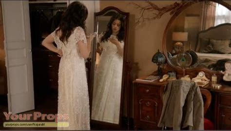 Witches of East End Freya's wedding dress from episode 1