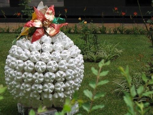 сюрреалистические  композицции украсят сад