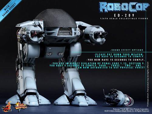 ED209-ROBOCOP_HOT-TOYS_02