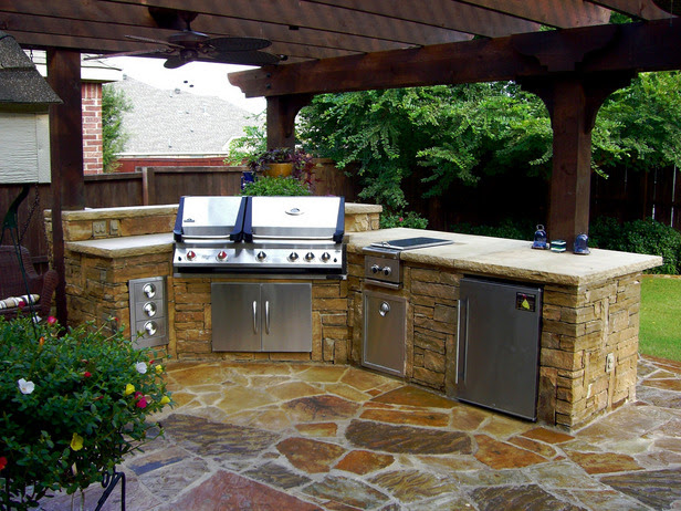 12 Amazing Outdoor Kitchens : Home Improvement : DIY Network