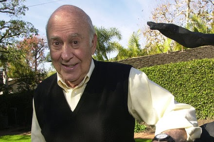 TREND ESSENCE:Carl Reiner, Multifaceted Master of Comedy, Is Dead at 98