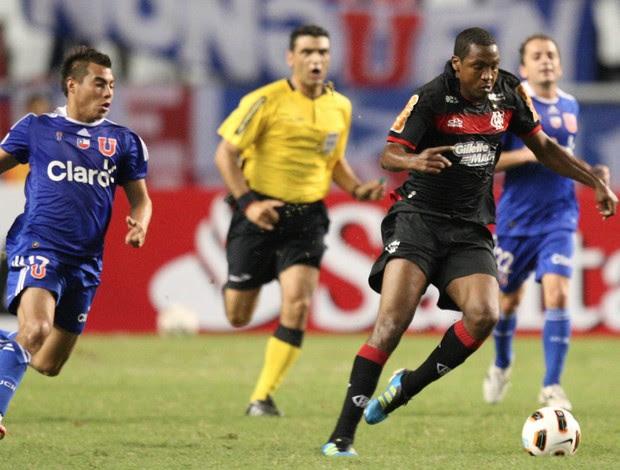 Renato Abreu contra a La U (Foto: André Portugal/VIPCOMM)