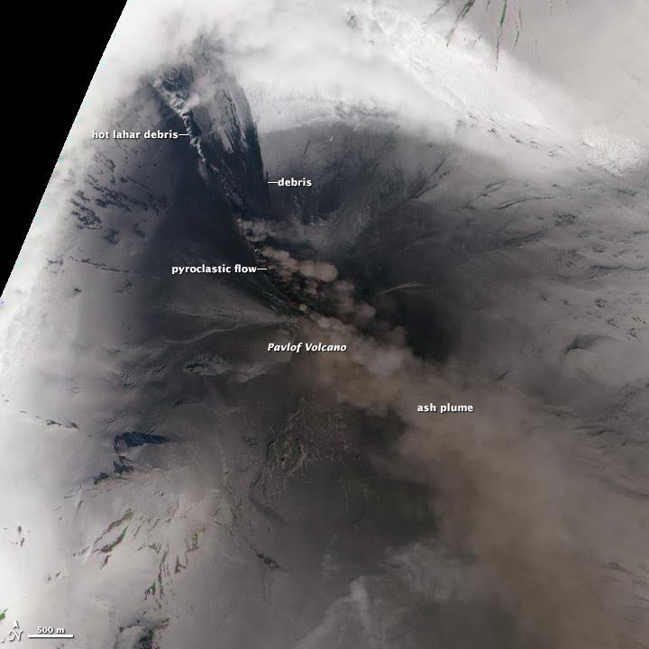 L'éruption du volcan Pavlov vue par satellite